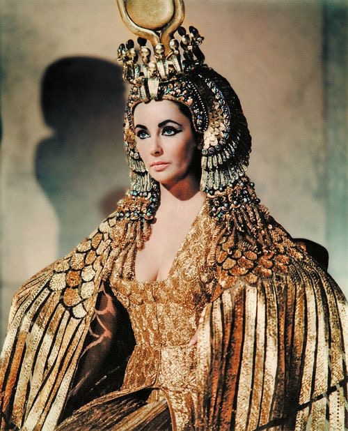 INFUSING ANCIENT EGYPTIAN FASHION INTO MODERN DAY